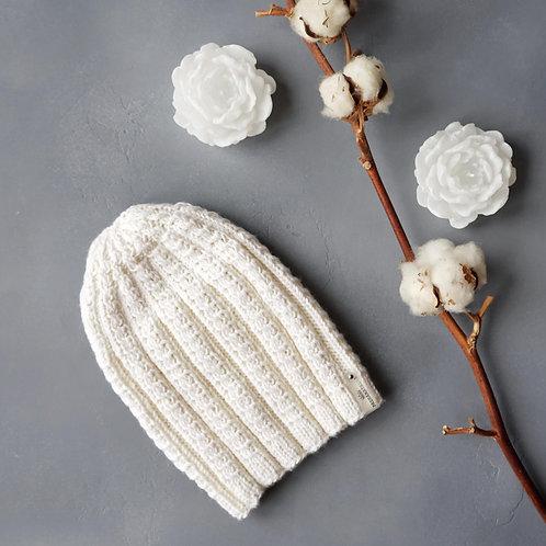 Купить белую шапку вязаную