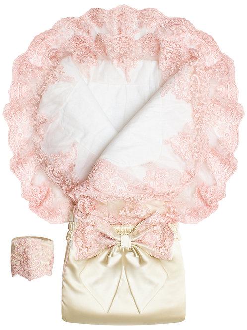 """Конверт-одеяло на выписку для девочек """"Королевский"""" АТЛАС (молочный с роз. круж)"""