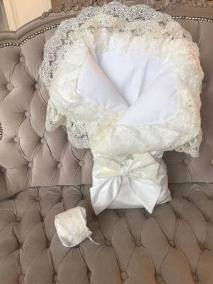 """Конверт-одеяло на выписку """"Милан"""" (белый с молочным кружевом)"""