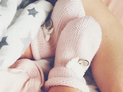 Купить вязаные носочки для новорожденных