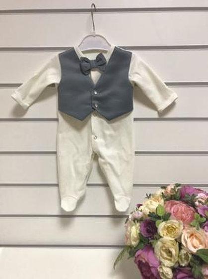 """Одежда для новорожденных мальчиков на выписку """"Маркиз"""" (комбез с серой жилеткой)"""