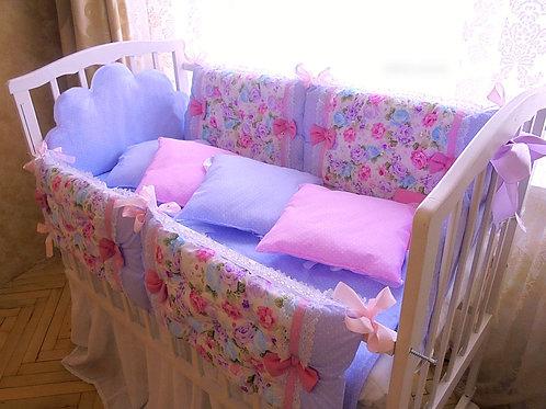 Комплект в кроватку новорожденному