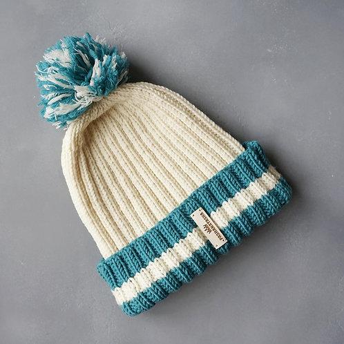 Купить спортивную шапку с помпоном