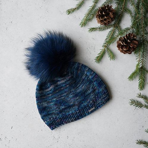 Купить красивую шапку с помпоном