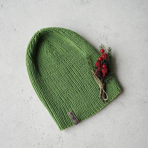 Купить вязаную шапку ручной работы в интернете
