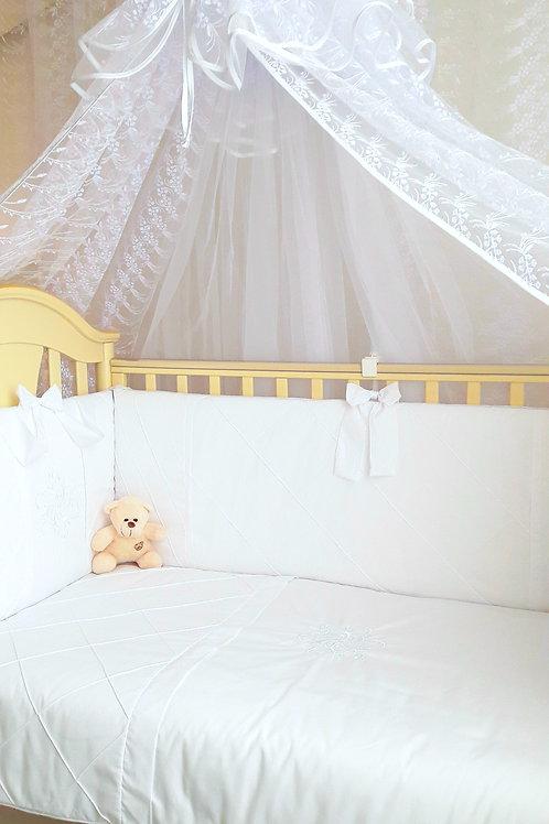 Постельный набор для новорожденного в кроватку
