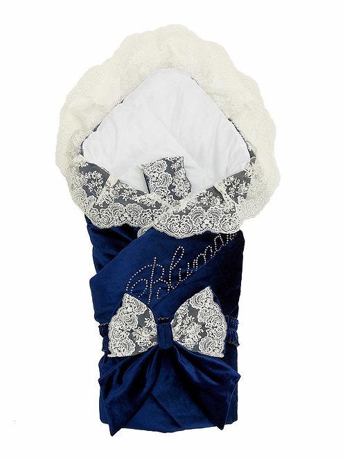 """Конверт-одеяло на выписку """"Блюмарим"""" (темно-синий с молочным кружевом, стразами и бантом)"""