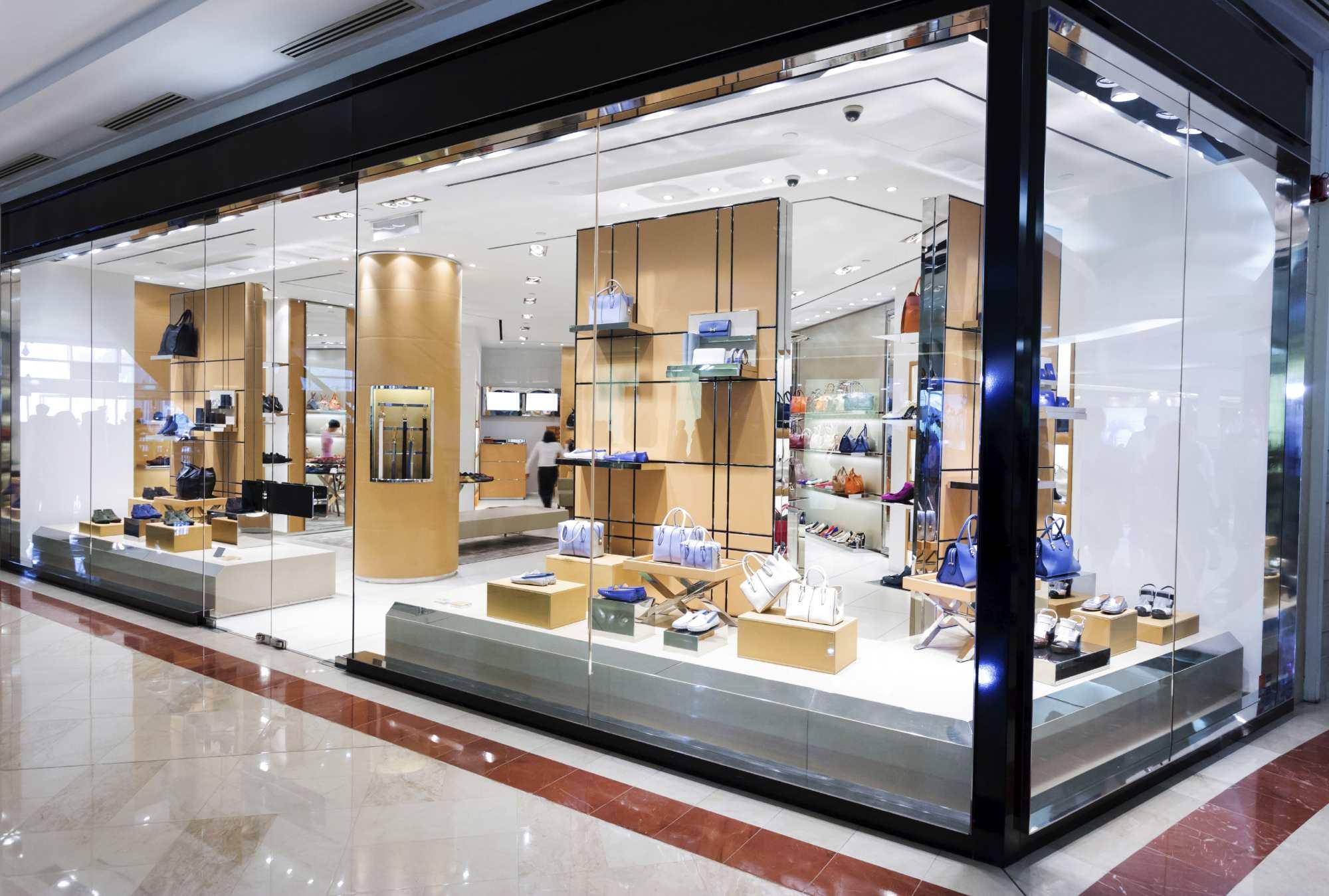 Frameless Storefront