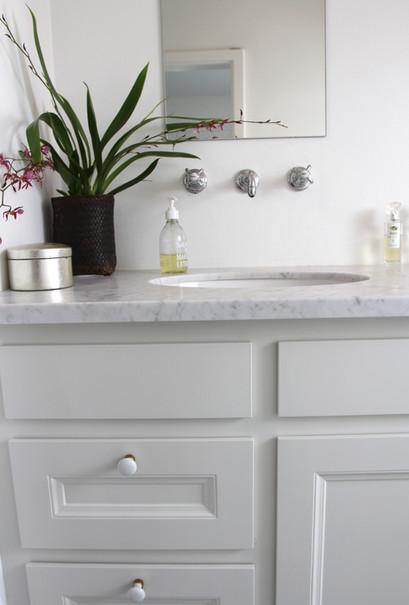 Klassisk badeværelsesmøbel