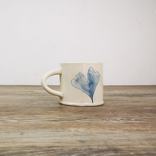 Porcelain mug with ginkgo leaf print