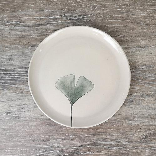 Porcelain dinner plate with Gingko Biloba print