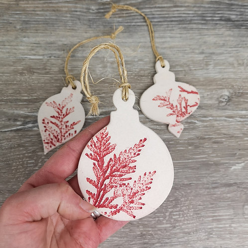 Set of 3 Christmas tree decorations with cedar prints