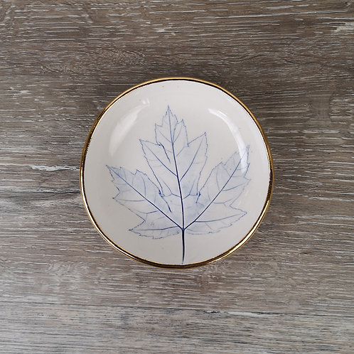 Porcelain ring dish with Maple leaf print and gold detail