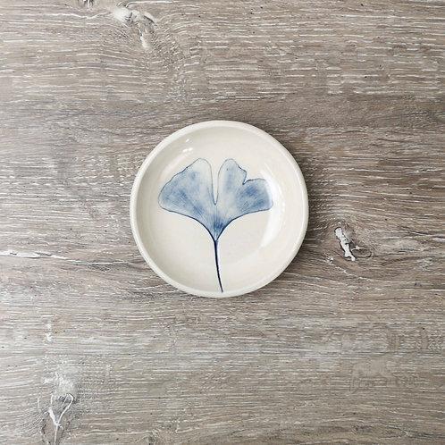 Porcelain ring dish with Ginkgo Biloba leaf print