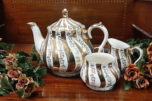China teapot trio Sadler.