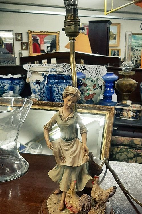 Vintage lamp woman/chickens🐔