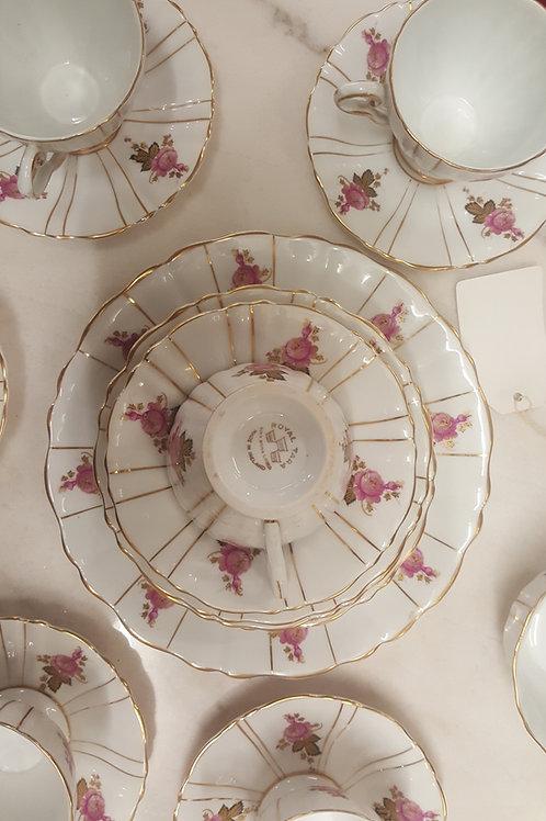 21 piece Royal Tara china tea set