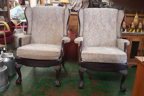2 Wing back Queen Anne style fireside chairs 🔥