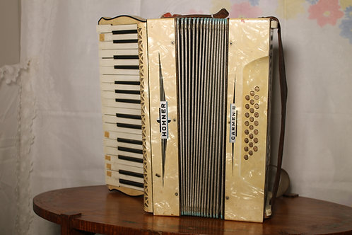 Accordian (Hohner)
