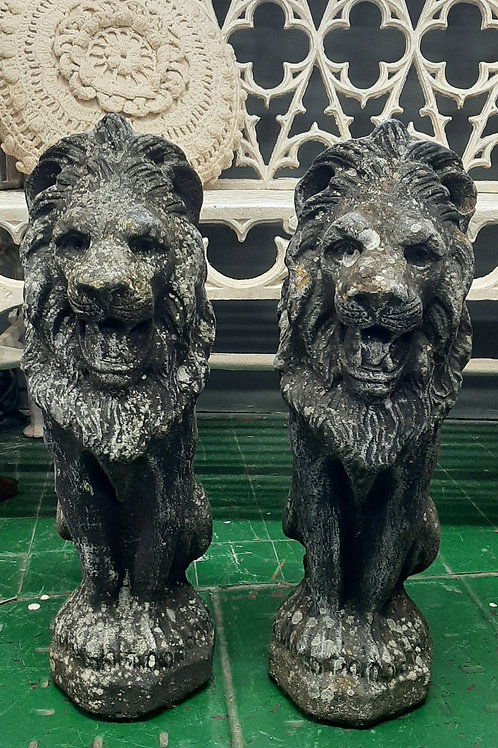 2 Stone Lions (Garden Pieces 🦁🦁) Pair