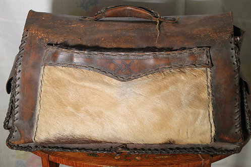 Genuine leather bag with real horse hair.
