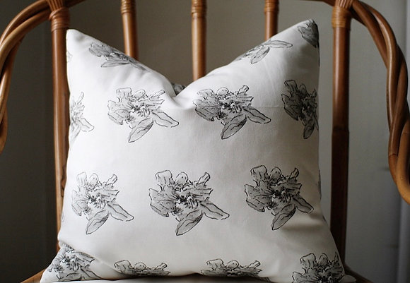 Le Fleur Pillow Cover