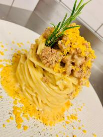 Spaghetto quadrato con carbonara di salsiccia