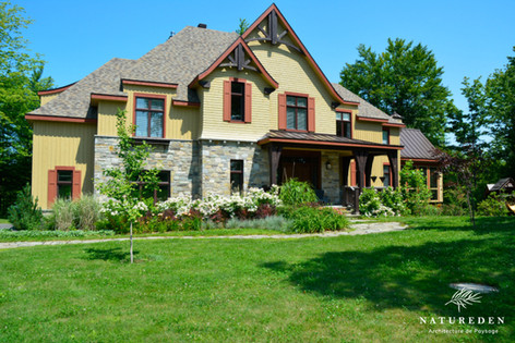 Country Manor, Bromont
