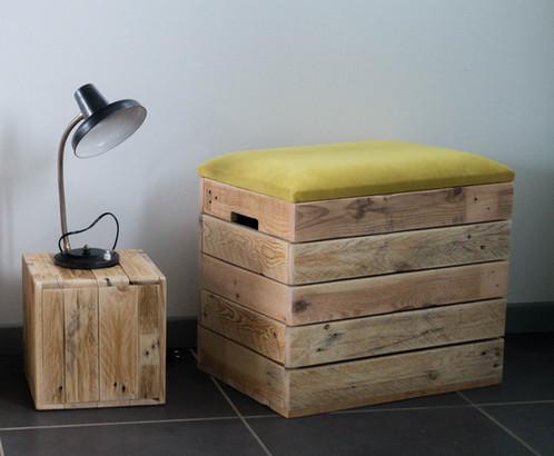 Banquette coffre en bois tissu jaune palette graphik créateur de mobilier en bois de palette
