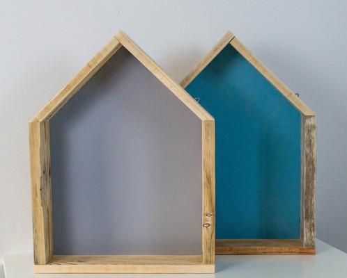etag re bois en forme de maison palette graphik cr ateur de mobilier en bois de palette. Black Bedroom Furniture Sets. Home Design Ideas