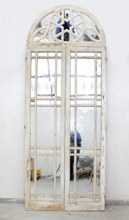 ARCHED MIRROR DOOR