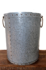 ROUND PLANTER WITH HANDLES