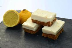 Lemon Cheesecake Slices