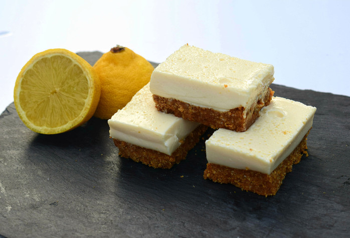Lemon Cheesecake Slices