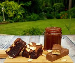 Peanut & Caramel Brownies