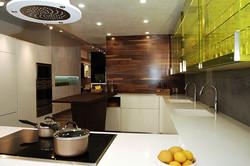 מעצבת מטבחים מומחית - אולם תצוגה