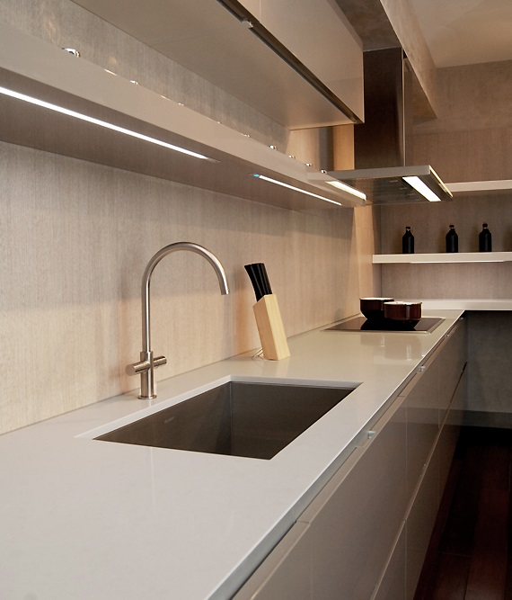 מעצבת מטבחים מומחית - עיצוב תצוגה