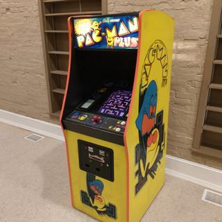 Pac Man (or Plus)