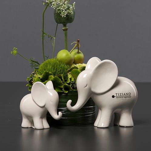 Elefant 'Leon' - Rüssel unten