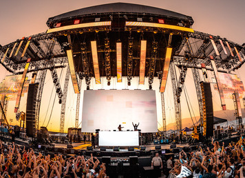 STAGE-TECH & HARD SUMMER MAINSTAGE