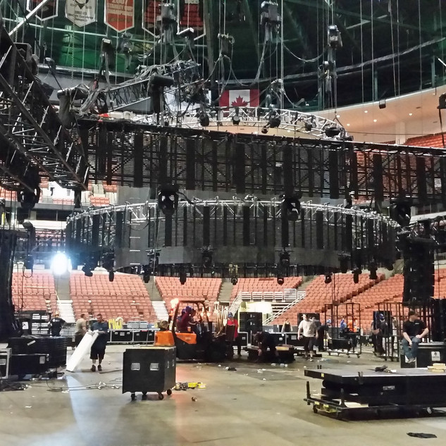 UP AND DOWN ARENA RIGGING