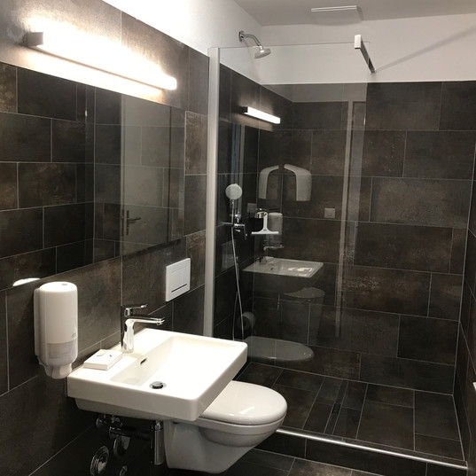 Toilette & Dusche