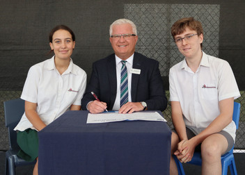 The signing of Principal and Student agreement