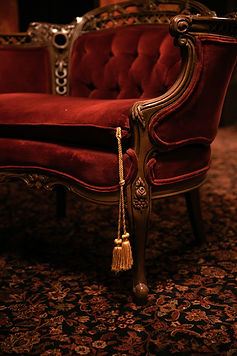 Antique armchair in House of Cards