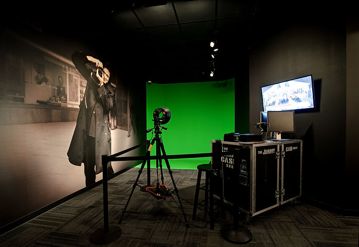 Download your green screen photo from the Johnny Cash Museum.