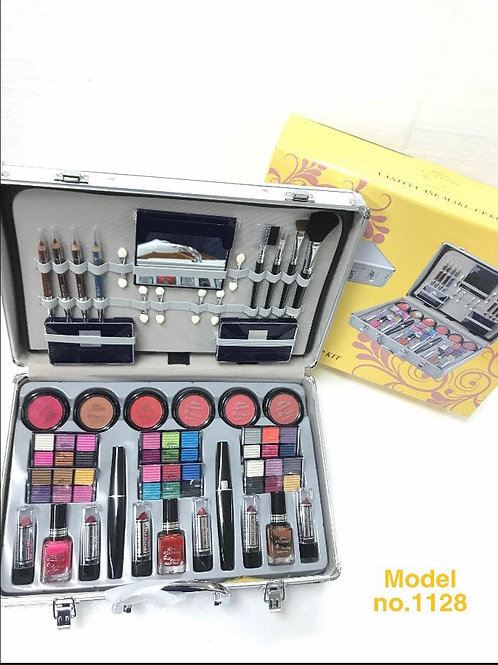 CLASSIC DELUXE MAKE UP SET 1128