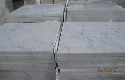 Stock marmo biano carrara, spessore 1,5 cm; 2 cm; 3 cm; 4 cm grezzo o lucido