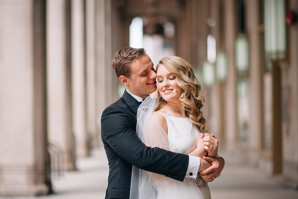 chicago wedding photo bride groom civic opera house