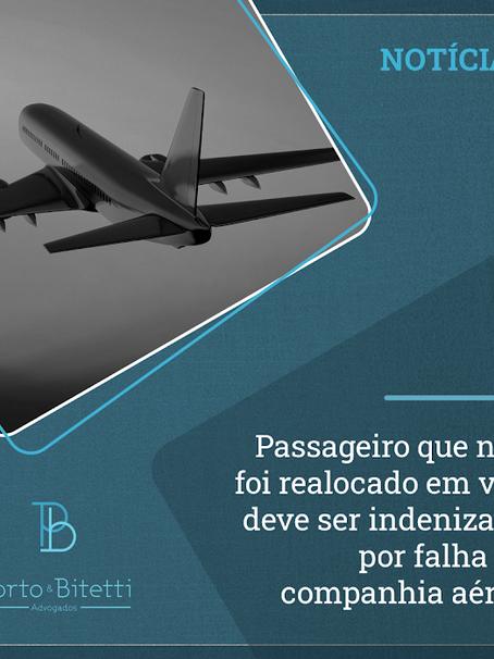 Passageiro que não foi realocado em voo deve ser indenizado por falha de companhia aérea
