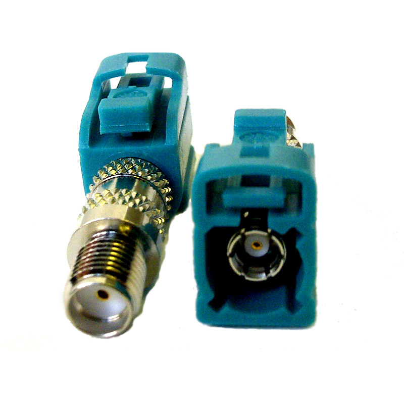 converts an antenna terminated with an SMA male to FAKRA female